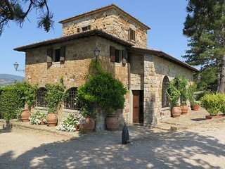 Il Cicalino, a stunning family friendly Tuscan country house with private pool.