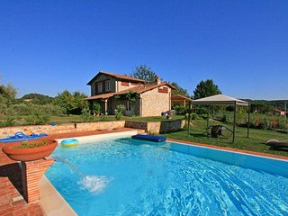 3 bedroom Villa in Lammari, Tuscany, Italy : ref 5586269