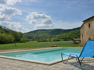 2 bedroom Apartment in Monte Santa Maria Tiberina, Umbria, Italy : ref 5586287