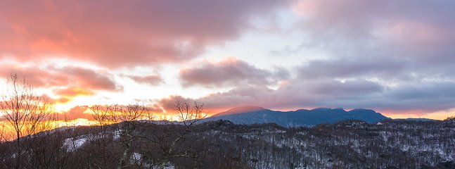 Breath-taking Winter Sunrise from Deck at Bear The View