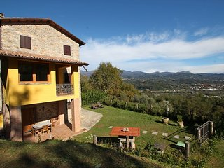 2 bedroom Villa in Gallicano, Tuscany, Italy : ref 5586298