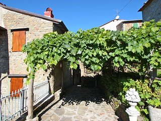 2 bedroom Villa in Crasciana, Tuscany, Italy : ref 5586326