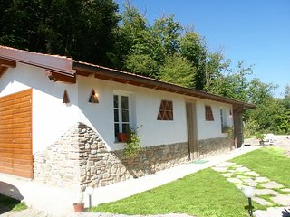 Lucese Villa Sleeps 4 with Pool and WiFi - 5586335