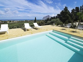 Paparella Villa Sleeps 5 with Pool Air Con and WiFi - 5586344