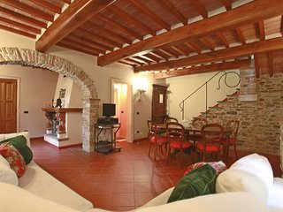 3 bedroom Villa in Stazzema, Tuscany, Italy : ref 5586339