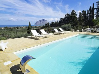 3 bedroom Villa in Rione Catalano, Sicily, Italy : ref 5586344
