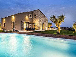 4 bedroom Villa in Donnafugata, Sicily, Italy : ref 5586346