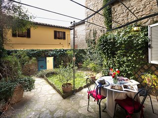 1 bedroom Apartment in Cortona, Tuscany, Italy : ref 5629948