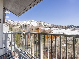 Well Appointed- Condo Steps From Steamboat's Slopes – Indoor and Outdoor Hot
