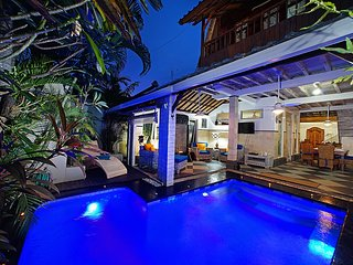 Spacious Villa Firdaus 100 X in Seminyak close to beach, resturants, and shops
