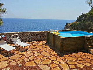 1040 Casa Vacanze con Piscina  Fronte Mare a Castro