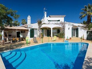 5 bedroom Villa in Alcalar, Faro, Portugal : ref 5605745