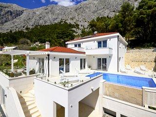 5 bedroom Villa in Bast, Splitsko-Dalmatinska Županija, Croatia : ref 5605899