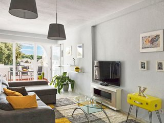 1 bedroom Apartment with Air Con, WiFi and Walk to Shops - 5605883