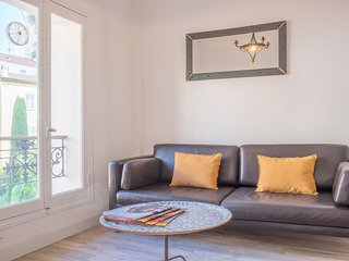 Cosy apartment in a quiet pedestrian street, perfect for the congress.