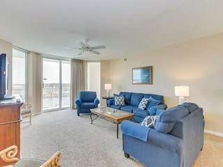 Spacious condo in one of the most desired locations in Barefoot Golf Resort!