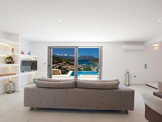 Deluxe Villa Erato