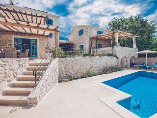 14001 Luxuriose Villa mit high class Riviera Maison Mobeln eingerichtet
