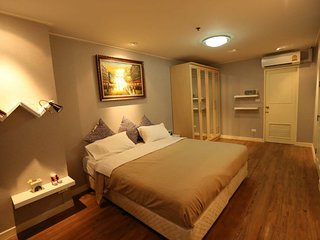 Clean Cozy Comfort easy to go Grand Palace and Khaosan road near Chaopraya river