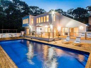 Spectacular 5 Bedroom Contemporary Getaway..Private Oasis........Newly Renovated