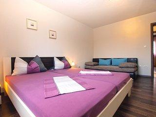 Apartment 16188