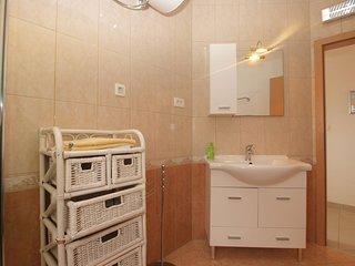 Apartment 16185