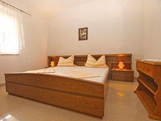 Apartment 16186