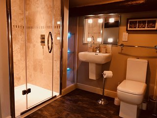 Large double bedroom/en-suite with amazing views