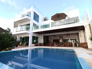 Casa Delfines LUXURY VILLA BEACHFRONT
