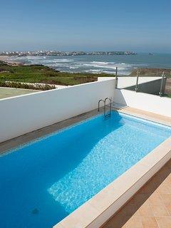Dream Holidays over the Atlantic Ocean