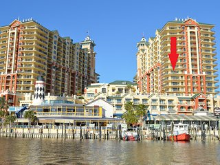 Emerald Grande Corner Unit!! NEW! Awesome View of Harborwalk & Gulf!!!