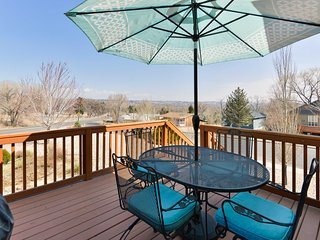 Charming Colorado Springs Home w/Deck & Mtn Views!