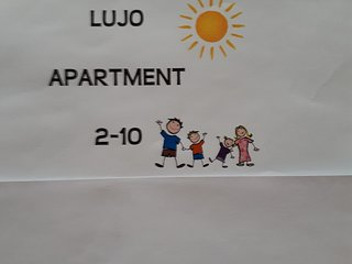 Lujo Apartment