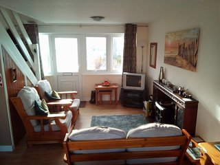 Nearby beach, 2 bedroom self-catering holiday home