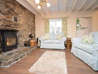 54426 Cottage situated in Pontfaen (1.5mls NW)