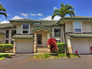 Princeville Townhome w/ AC & Mtn/Waterfall Views!