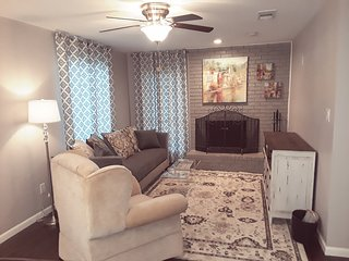 Main Living Room with Flat screen TV, Free Wifi, and direct TV