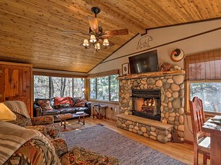 Beautiful Ruidoso Cabin w/Private Hot Tub & Views!