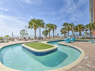 Cozy Myrtle Beach Condo w/ Pool & Beach Access!