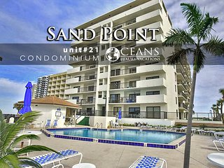 September Specials! Luxury Oceanfront Condo-Sandpoint - 2BR/2BA- #2i