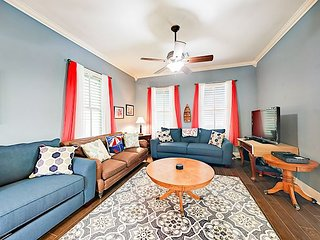 Historic 2BR East End District Home w/ Private Backyard - 1.5 Blocks to Beach