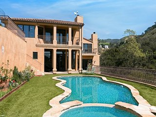 Palatial 4BR/5.5BA Villa Estate w/ Private Pool, Spa & Sweeping Ocean Views