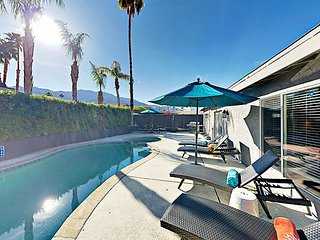 3BR Modern Remodel w/ Posh Outdoor Oasis - Private Pool & Spa