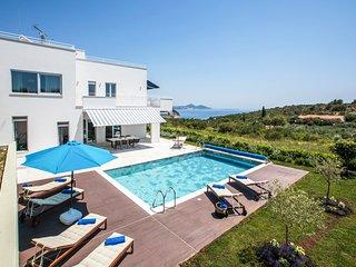 4 bedroom Villa in Orasac, Dubrovacko-Neretvanska Zupanija, Croatia : ref 560629