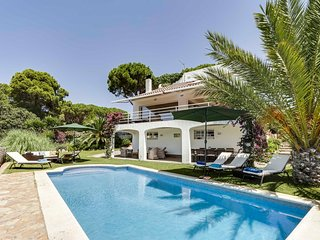 4 bedroom Villa with Pool, Air Con and WiFi - 5606290