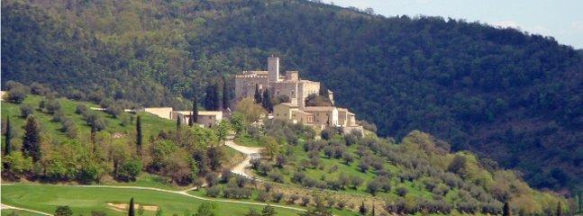 Castelo Antognolla e campo de golfe