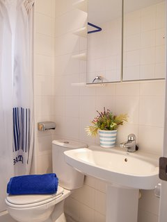 bathroom with shower-SA PUNTA COSTA BRAVA