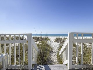 3bd/3 ba w/Sleeper~ FREE Activities~Perfect Luxury Summer Rental!!