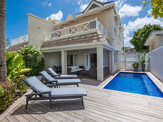 3 Bed Beach Villa +pool. Fitts Village+cook