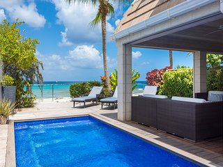 15% OFF Book by 5Nov! 3 Bed Beach Villa +pool. Fitts Village+cook+housekeeper